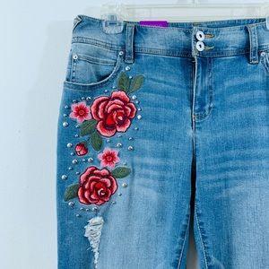 INC • Embroidered Rose Stud Destroyed BF Jean 4/26